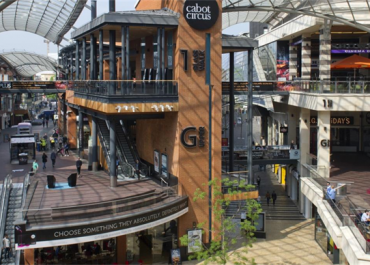 Hammerson mulls sale of Via Outlets stake, plans major rights issue